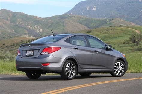 Accent Hyundai 2015 by 2015 Hyundai Accent Review Autoguide News