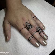 finger tattoo brisbane some bits for tommy cheers pal artista tatuador ryan