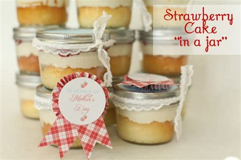 tasty beautiful things strawberry cake in a jar