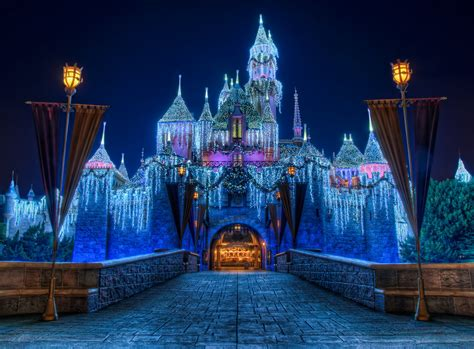 disney wallpaper store disney castle in christmas wallpapers disney castle in
