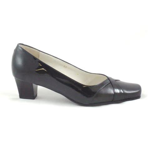 sandpiper black patent and leather court shoe sandpiper