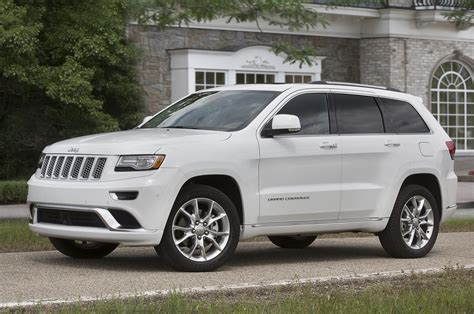 hellcat jeep white 2016 jeep grand cherokee more power and mpgs less weight