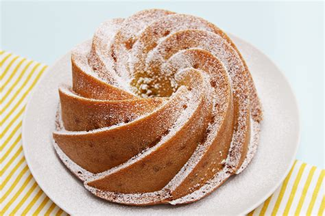 bundt cake bundt cake recipes for the busy home baker books who doesn t the look of a bundt cake they re so