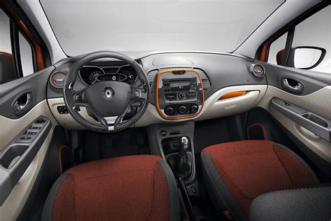 2017 Renault Captur PE Overview & Price