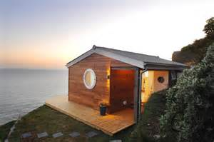 small house bliss the edge an idyllic beach cottage in cornwall small house bliss