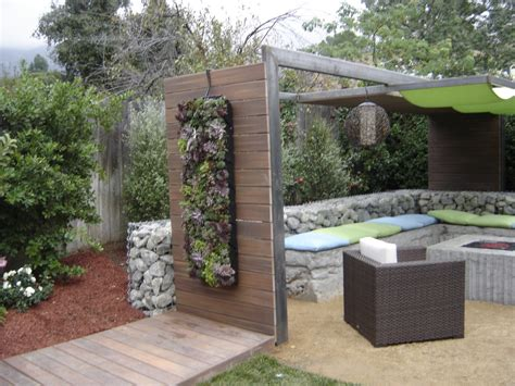 hgtv backyard crashers creating living walls vertical wall with yard crashers in