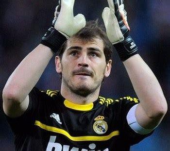 Sarung Tangan Iker Casillas iker casillas kemungkinan absen melawan manchester united