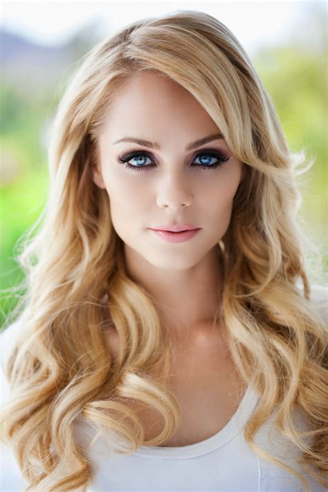 most gorgeous laura vandervoort amazing photo of the gorgeous laura