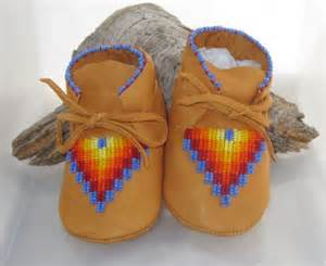 Baby moccasins moccasins and native american on pinterest