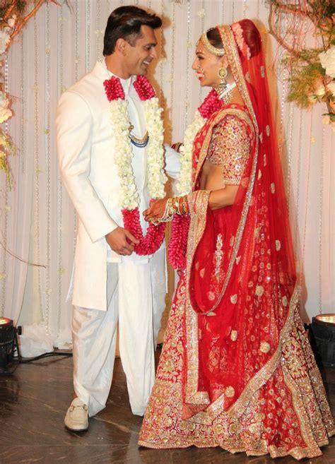 Bipasha Basu and Karan Singh Grover Wedding Photos   DESIblitz