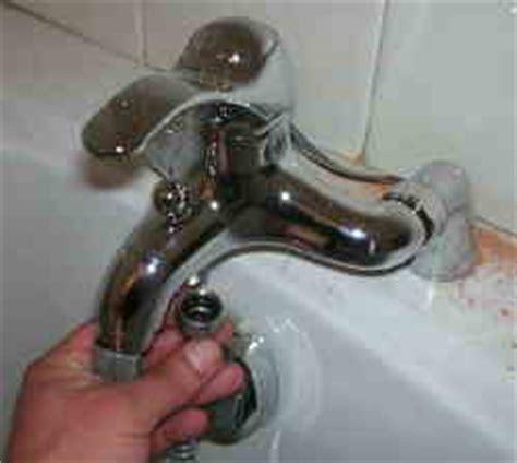fliesen springen beim bohren duschstange und duschsschlauch anbringen