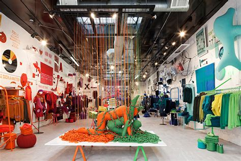 Garage Clothing Nyc Pop Up Stores The Of Knit By United Colors Of