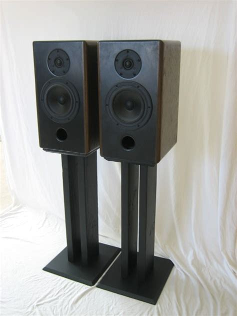 custom diy speaker stands for less for whoever