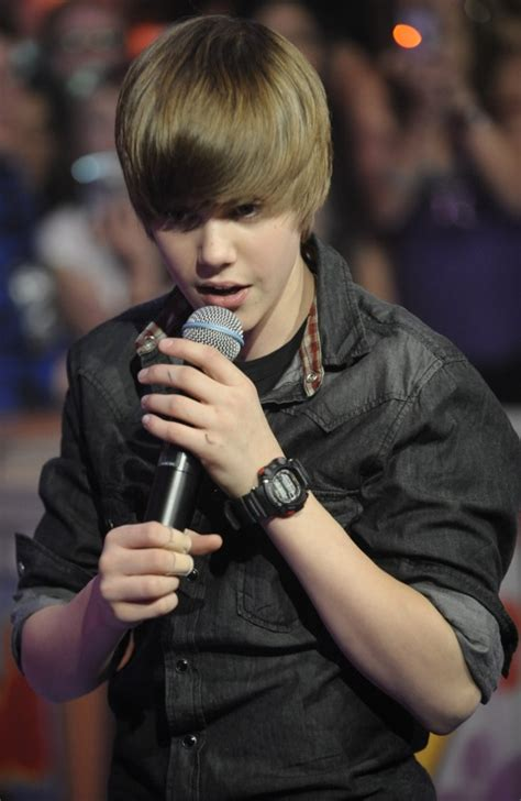 biography justin bieber short zunaxx blogspot com is a source of hot things justin