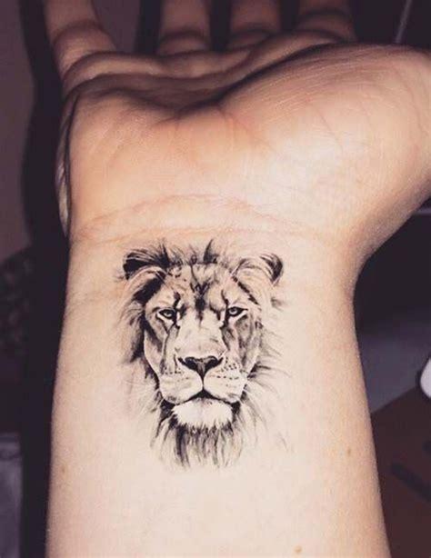 aslan bilek d 246 vmesi wrist lion tattoo k 252 231 252 k d 246 vmeler