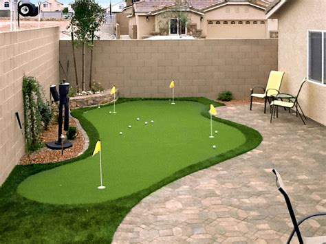 installing a putting green in your backyard putting greens in las vegas nv synthetic putting greens