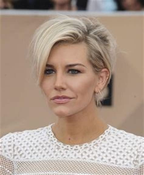 charissa thompson short hair images megyn kelly sizzles at derby party in 1600 dress and 900