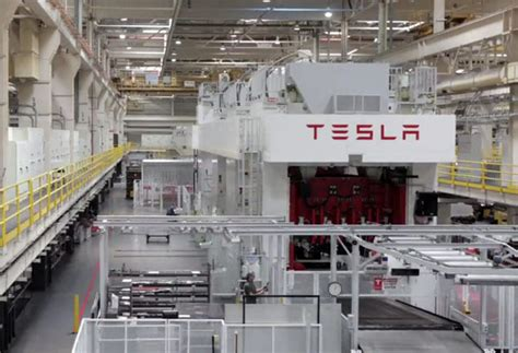 Tesla Model S Factory Tesla Shows Us How A Model S Is Made Tailors Evs To Your