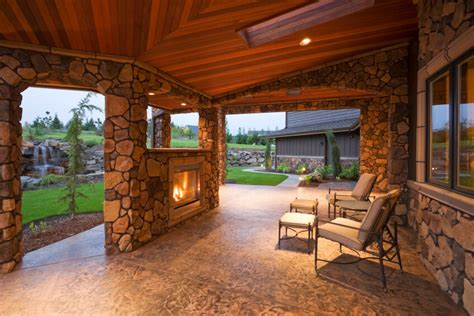 55 Luxurious Covered Patio Ideas (Pictures)