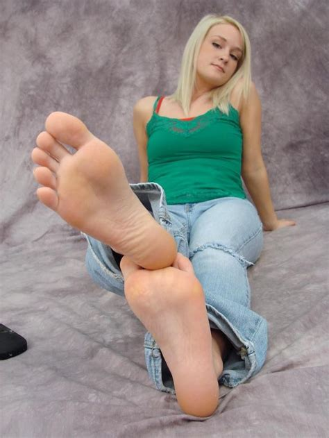 Teen Feet | barefoot feet foot sole soles toe toes feet