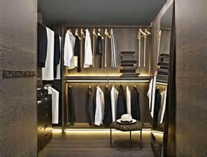 kleiderschrank beleuchtung led begehbarer kleiderschrank systeme mit led beleuchtung und