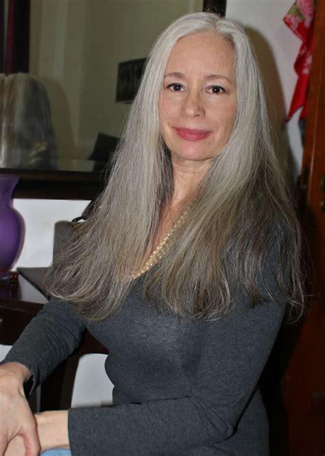 Sunday inspiration: beautiful long gray hair   40plusstyle.com