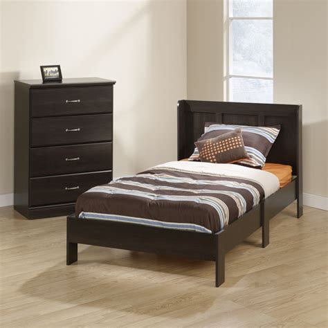 Platform Bed With Drawers And Headboard by Parklane Platform Bed With Headboard And 4 Drawer