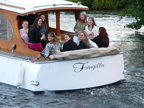 thames river cruise hen night hen party venue boat hire windsor maidenhead thames