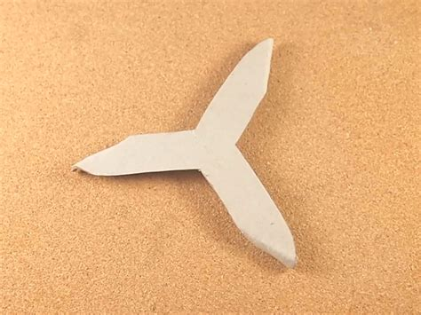 Origami Boomarang - make a paper boomerang scissors and craft