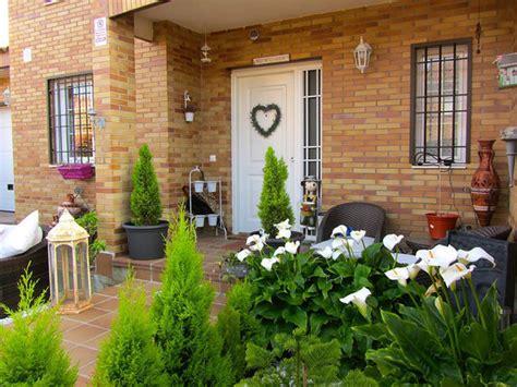 imagenes jardines entrada casa una casa con jard 237 n inspirada en la provenza mi casa
