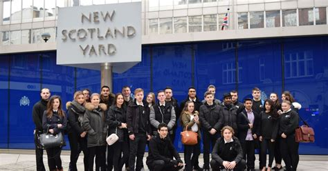 thames college jobs students from west thames college quiz police during visit