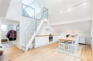 amazing Porte Coulissante Sous Escalier #1: rangement-sous-escalier-cuisine-contemporaine-sous-escalier.jpg