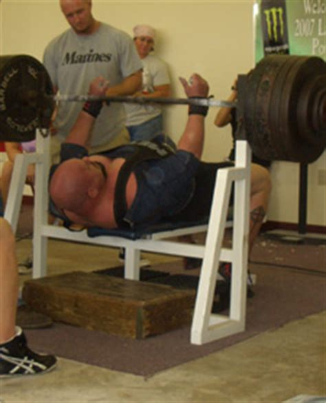 raw bench training does training in a bench shirt make your raw bench weaker
