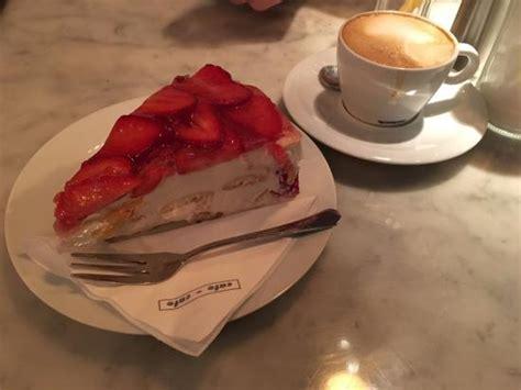 cafe und kuchen kuchen und kaffee bild cafe cafe prag tripadvisor