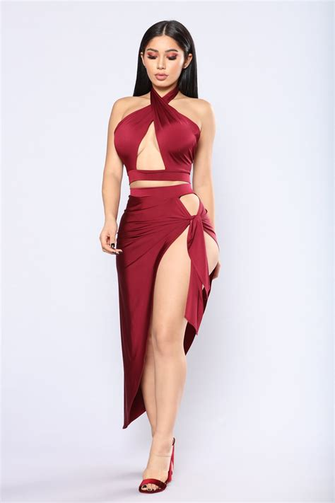 Glr Gn Coat Dress Quenn Maroon cutout set burgundy