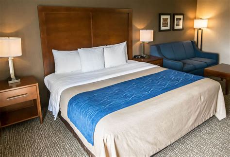 comfort inn crystal lake hotel comfort inn crystal lake en crystal lake destinia