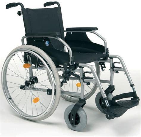 sedie a rotelle pieghevoli leggere sedie a rotelle leggere da auto spinta d200 vita facile it