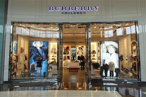 burberry children dubai mall design de loja design