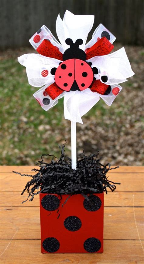 Ladybug Baby Shower Centerpieces by Best 25 Ladybug Centerpieces Ideas On