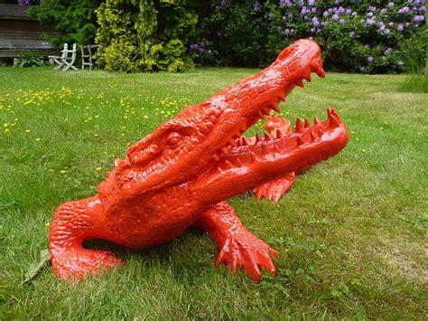 agréable Meuble De Jardin En Resine #7: crocodile-rouge-jardin.jpg
