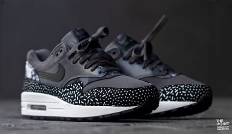imagenes nike air max negras the point