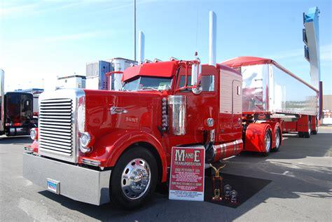 peterbilt show trucks peterbilt dump truck custom show trucks truk strength