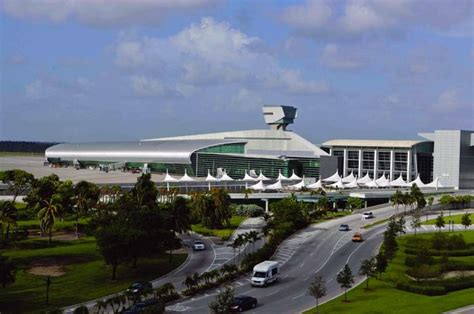 miami airport to images miami international airport concourse j miami fl