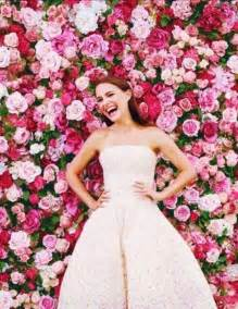 wedding backdrop of flowers the 2015 wedding trend 22 flower wall backdrops weddingomania weddbook