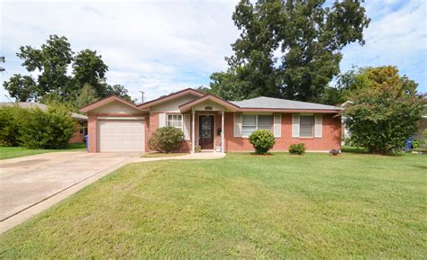 houses for sale in shreveport la don t miss out on this terrific shreve island home for sale in shreveport la