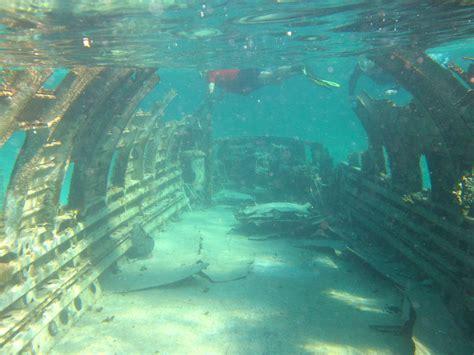 bermuda triangle underwater bermuda triangle wrecks carlos leder airplane wreck