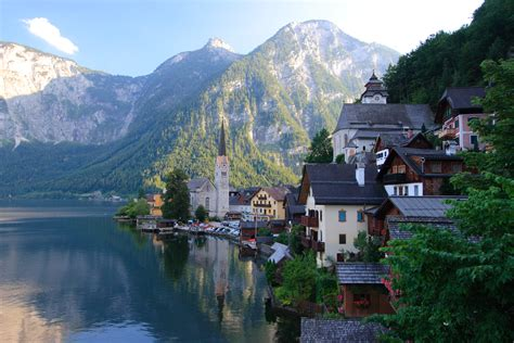 most beautiful places to live in the us file hallstatt 001 jpg wikimedia commons