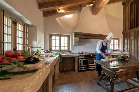 cuisine vier plan de travail en pierre de bourgogne