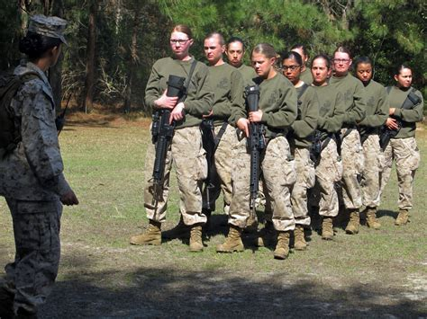 parris island leader women can handle combat military com