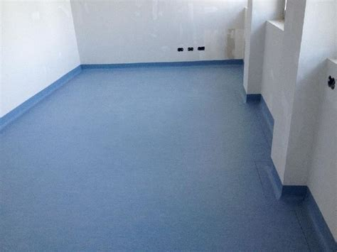 pavimenti in plastica per interni prezzi pavimenti in plastica pavimentazioni caratteristiche